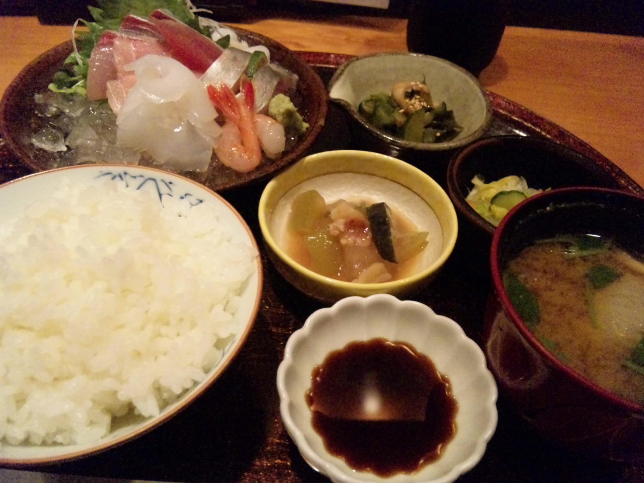 昼からちゃんとしたお刺身定食「高崎屋」